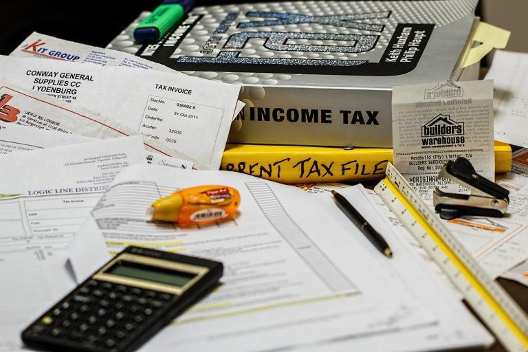 מחשבון ומספר מסמכים בנושא מיסוי